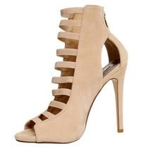 Salto Jennifer Lopez Nude 8.5